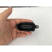 大黑件汽车线束插头塑料件开模具