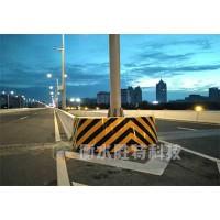 高速公路桥墩防撞设施,防车撞装置,桥墩防撞垫